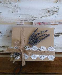 μπομπονιέρα γάμου κουτί βιβλίο με πραγματική λεβάντα