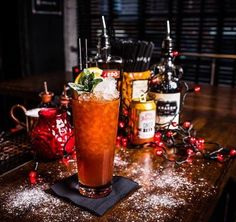 Christmas Kraken - Kraken Rum, Amaretto, Cranberry & Ginger Beer