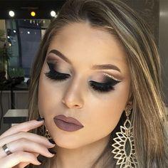 Tutorial Double Cut Crease com um toque de Glitter Day Makeup, Kiss Makeup, Makeup Tips, Beauty Makeup, Cheer Makeup, Pretty Eye Makeup, Pretty Eyes, Makeup Looks, Arabian Makeup