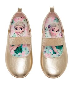 Ballet flats in metallic-colored imitation leather with a glittery elastic strap over foot and elastic panels at sides. Baby Girl Toys, Toys For Girls, Kids Girls, Ballerinas, Girls Glitter Shoes, Original Barbie Doll, Kids Toy Shop, Princess Elsa Dress, Frozen Kids