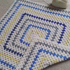 Cream. Royal Blue. Light Grey. Yellow. Crocheted blanket via Instagram. #Inspiration for baby/kid blanket