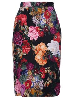 ★ So much Love for this Floral Dolce & Gabbana Pencil Skirt ★