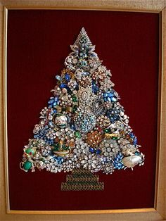 Heavily jeweled blue, gold and clear rhinestone tree Costume Jewelry Crafts, Vintage Jewelry Crafts, Recycled Jewelry, Costume Necklaces, Jewelry Frames, Jewelry Tree, Christmas Jewelry, Christmas Art, Vintage Christmas