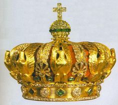 The tiara was worn by Empress Eugenie, and then was sold when the country auctioned off all of its crown jewels. Description from pinterest.com. I searched for this on bing.com/images