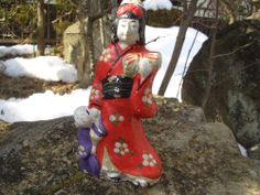 Antique doll Japanese kimono doll son bring parcel made clay 花巻堤土人形   This is my clay doll page. http://stores.ebay.com/ganbaroujapanthanks/dolls-/_i.html?_fsub=4694380017