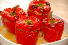 Farserede peberfrugter med ris (fyldte peberfrugter i ovn)