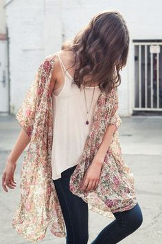 I really like the pairing of the kimono with the simple white shirt and the dark pair of jeans.