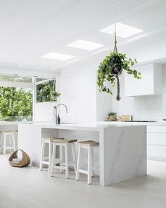 Cool White Color Kitchen Design Ideas