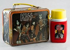 KISS 1977 Rock Band Metal Lunchbox with Thermos by TheRealmCollectibles on Etsy Kiss Memorabilia, Kiss Merchandise, Kiss World, Kiss Rock Bands, Lunch Box Thermos, Vintage Lunch Boxes, Vintage Kiss, School Lunch Box, Metal Lunch Box