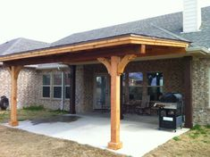 Unique 3 sided porch roof for your home Patios must show charm as well as coziness. This becomes the extension of your style and also individual and also the primary thing that passers-by and also guests see. Roof design for patios is on… Backyard Covered Patios, Covered Patio Design, Backyard Patio Designs, Diy Patio, Covered Back Patio, Covered Decks, Covered Porches, Outdoor Patios, Covered Pergola