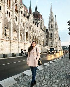 "98 aprecieri, 3 comentarii - Ana •CREATIVE POSTS• (@solnitacuvise) pe Instagram: ""Visit Budapest: checked!😍 #travel #trip #vacantion #budapest #hungary #ig_budapest #ig_hungary…"" Visit Budapest, Budapest Hungary, Travel Trip, Louvre, Posts, Creative, Instagram, Messages"