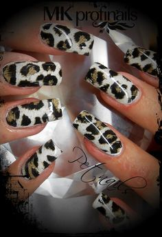 Just some ridiculous Leopard Nail art ❤ Funky Nails, Glam Nails, Beauty Nails, Red Matte Nails, Matte Acrylic Nails, Fabulous Nails, Gorgeous Nails, Pretty Nails, Nice Nails
