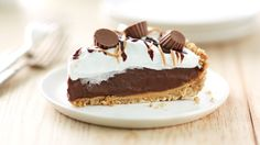Reese's™ Peanut Butter Cup Icebox Pie - No-bake chocolate and peanut butter refrigerated pie on a pretzel crust -- a flavor for everyone. Chocolate Peanuts, Chocolate Flavors, Chocolate Cheesecake, No Bake Desserts, Just Desserts, Awesome Desserts, Frozen Desserts, Health Desserts, Pie Recipes