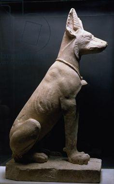 Escultura en piedra de un chacal o un perro, del 3000-1000 a.C.