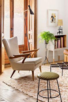 http://www.digsdigs.com/mid-century-madrid-apartment-in-warm-colors/?utm_source=feedburner
