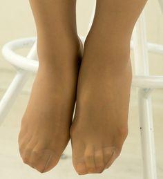 Pantyhose Heels, Foot Toe, Sexy Legs, Stockings, Beauty, Beautiful, Footwear, Socks, Women's Fashion