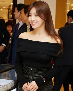 Ha Ji Won Photo Collectons ... Korean Beauty, Asian Beauty, Han Ji Won, Korean Celebrities, Celebs, Korean People, Cute Beauty, Korean Actresses, Beautiful Asian Girls