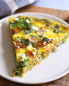 Healthy Meals 808677676819721117 - Add this sweet potato kale frittata to your weekly menu for a quick and easy healthy meal that can be whipped up in less than 35 minutes and served for breakfast, lunch or dinner. Kale Frittata, Frittata Recipes, Healthy Frittata, Sweet Potato Kale, Roasted Sweet Potatoes, Sweet Potato Frittata, Easy Healthy Recipes, Vegetarian Recipes, Cooking Recipes