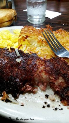 Perry's Cafe is an old school diner in the neighborhood of Old Town in San Diego. They serve up quick, tasty breakfast plates and also offer lunch. #sandiego #dining #restaurants #placestoeat