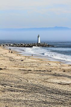 ✮ Coastal Beach and Lighthouse in Santa Cruz, California