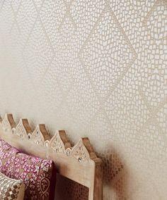 Yamuna | Papel de parede geométrico | Padrões de papel de parede | Papel de parede dos anos 70