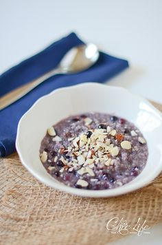 (Use 1 cup blueberries, phase-appropriate milk, and sweeten with stevia or xylitol) Hot Blueberry Breakfast Quinoa - Divine way to use leftover quinoa!