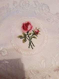 This Pin was discovered by Bek Cross Stitch Rose, Cross Stitch Flowers, Cross Stitch Charts, Cross Stitch Patterns, Cross Stitching, Cross Stitch Embroidery, Hand Embroidery, Palestinian Embroidery, Little Stitch