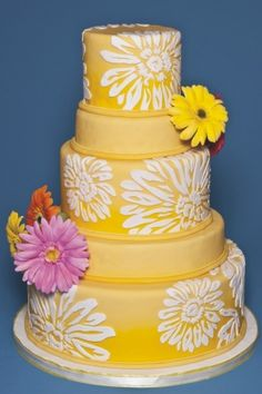 Colored wedding cakes are on trend for 2013.