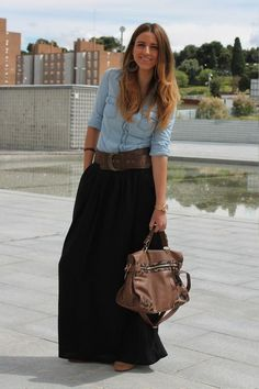 43 Cute Maxi Skirt Outfits To Impress Everybody - Niedliche Kleider - Jupe Modest Dresses, Modest Outfits, Modest Fashion, Casual Outfits, Modest Clothing, Maxi Dresses, Fashion Outfits, Rock Outfits, Denim Shirt Outfits