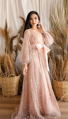 Dress Brukat, Hijab Dress Party, Stylish Dresses For Girls, Cute Dresses, Dress Muslim Modern, Elegant Ball Gowns, Dress Pesta, Mode Abaya, Fancy Dress Design