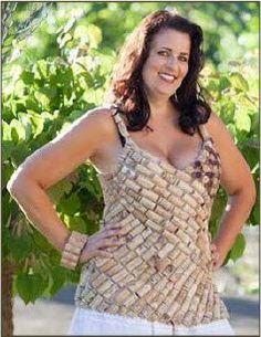 I am so going to order this Wine Cork Top Tutorial and make this. I have a ton of wine corks! Wine Craft, Wine Cork Crafts, Wine Bottle Crafts, Costume Halloween, Wine Cork Art, Wine Corks, Diy Cork, Cork Garland, Need Wine