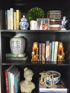 My Simple Bookshelf (Re)Styling