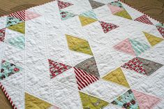 Equilateral triangles are easier than you think they are! No, seriously, they are. : ) If you've been wanting to make a quilt like this one using equilateral triangles, head over to the Berni…
