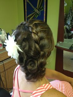 Bridal Hairstyles With Flowers - http://hairstyle.girls-s.net/bridal-hairstyles-with-flowers/