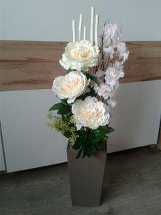 Large Floor Vase, Large Flower Arrangements, Deco Originale, Artificial Flowers, Margarita, Centerpieces, Projects To Try, Christmas Decorations, Amazing