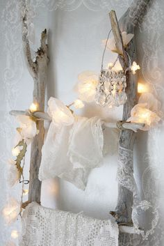 Beautiful display using a driftwood ladder