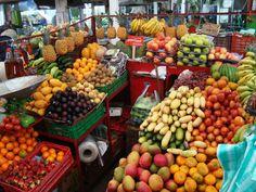 Retire in Colombia, Typical neighborhood market.