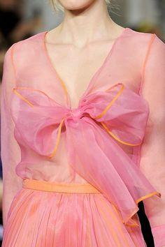 Moschino Fall 2012 (via ♥ pink & orange fancy ♥ / Moschino Cheap & Chic Fall 2012 ♥)