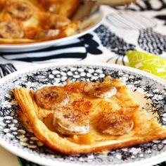 Hedelmäpannari on maukas jälkiruoka tai välipala. Pannariin ei tarvitse lisätä sokeria, sillä hedelmien oma sokeri tuo riittävästi makeutta. Ripottele ennen paistoa hedelmien päälle mausteeksi kanelia.