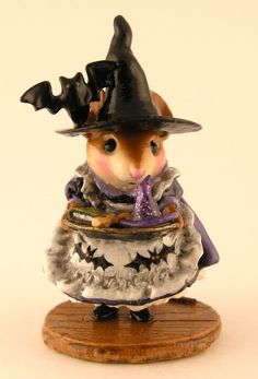 TEACHER'S PET by Wee Forest Folk, LTD EXCLUSIVE SCULPTURE for Mouse Expo 2011