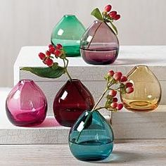 jewel bud vases for cocktail tables - Check out navarragardens.com for info on a beautiful Oregon wedding destination!
