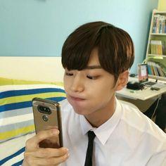 -Yang hongseok as your bf Yuto Pentagon, Pentagon Hongseok, Fandom, E Dawn, Jisung Nct, Fans Cafe, Cube Entertainment, Boyfriend Material, Beautiful Boys