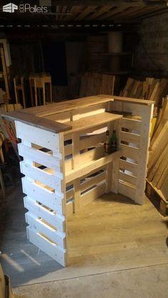I built this console bar with recovered planks from three EURO pallets. Projet réalisé avec des planches de 3 palettes EU neuves mais récupérées gracieusement :)