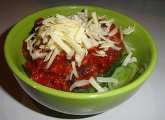 zucchini noodles with meat sauce Spiral Pasta, Meat Sauce, Zucchini Noodles, Chili, Cabbage, Soup, Vegetables, Beef Gravy, Zuchinni Noodles