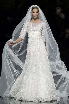 Elie Saab for Pronovias - Folie