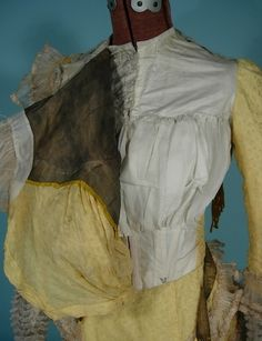 c. 1900 Victorian Yellow Silk Jacquard 2-piece Trained Gown - bodice lining with bust ruffles to support the silhouette