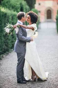 Photography: Lisa Poggi Photography - lisapoggi.com  Read More: http://www.stylemepretty.com/2014/10/22/fashionable-elopement-in-tuscany/