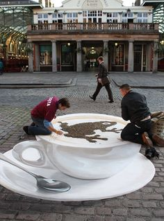 'Chaff' by Manfred Stader - Master of 3d-Street Painting, painting in London's Covent #3d art| http://3dart819.blogspot.com