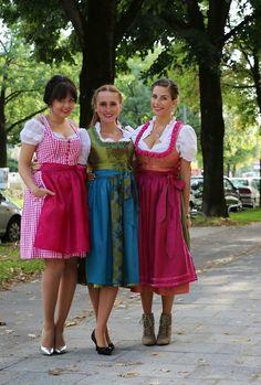 Schustermann & Borenstein Dirndl für die Wiesn 2013