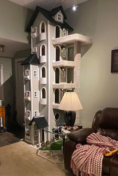 Man Builds Two Kitty Towers Inside His Home And Now Everyone's Cats Are Jealous Cat Towers, Cat Room, Cat Condo, Pet Furniture, Cat Tree, Crazy Cats, Cool Cats, Cats And Kittens, Tours